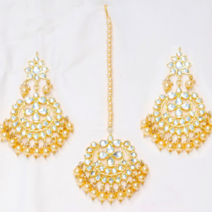 Khundan Jhummar and Earrings